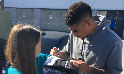 Evander Kane signs autograph for fan