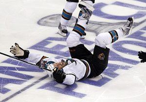San Jose Sharks bobblehead - Joe Thornton slide
